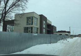 Дом с Плоской кровлей в п.8марта 1100м2